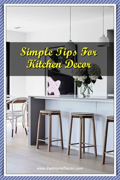 Are you wanting to transform your compact and small kitchen into a dream? And the impression of a larger space with a few strategic decorating tricks? Visit us for more tips and ideas. Decorating Kitchen, Kitchen Decor, Modern Spaces, Country Kitchen, Larger, Compact, Desk, Simple, Tips