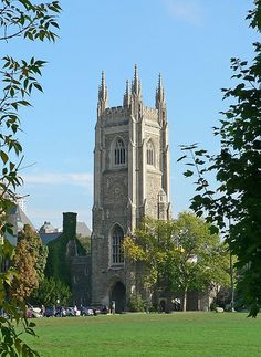 Soldiers' Tower, University of Toronto, Canada Haunted Places, Haunted Houses, Haunted America, Ghost Hauntings, University Of Toronto, Largest Countries, Capital City, Landscape Photos, Beautiful Beaches