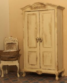 Creme armoire, dollhouse miniature, scale 1:12, Petit Brocante, 2013