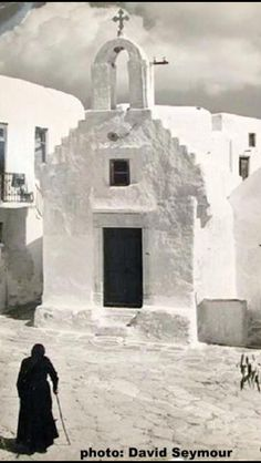 International Center of Photography Santorini, Mykonos Greece, Athens Greece, Old Pictures, Old Photos, Greece Tours, Myconos, Mykonos Island, Great Photographers