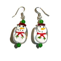 Do you love being festive for Christmas? Do you love snow? These snowman earrings are perfect for the Holidays!  OVERVIEW Allow between 1 and 3