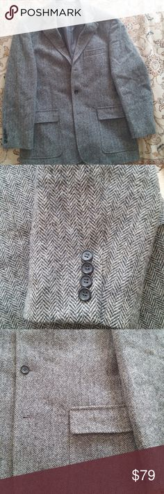 TRAD J.Crew Herringbone 3-Button Blazer Pre-Ludlow 3-button J.Crew Herringbone blazer. Size is 40R. Cut a little longer and a little roomier than the modern Ludlow blazer. This is for a guy who wants a more traditional cut. Beautiful Valley Mills fabric. I'm moving and I need to sell this now. J. Crew Suits & Blazers Sport Coats & Blazers