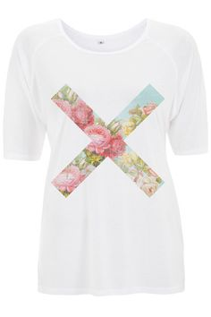 Ultra Tee Flower Cross | Vintage floral print.