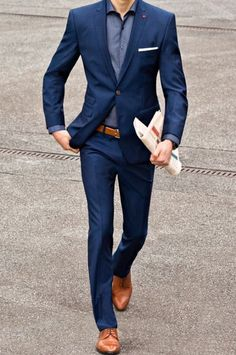 chap 5 26 dope blue suit outfit ideas for every occasion Blue Suit Outfit, Blue Suit Men, Blue Suits, Navy Suit Brown Shoes, Dark Blue Suit, Navy Blue, Blazer Outfits Men, Stylish Mens Outfits, Men Blazer
