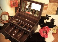 Lovely Leatherette Jewelry Box Case  Accessories Box Case