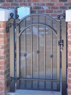 Eisentor zum Verkauf in Grand Terrace, CA – OfferUp – time Steel Gate Design, Iron Gate Design, House Gate Design, Side Gates, Front Gates, Entrance Gates, Front Fence, Metal Gates, Wrought Iron Fences