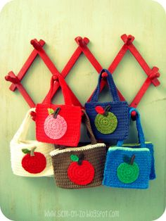 Apple Bag Tutorial: the perfect size to carry an apple snack in!