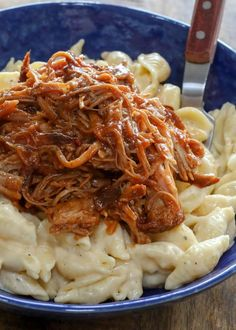 Creamy mac and cheese topped with bbq pulled pork? Pork Tenderloin Recipes, Pork Recipes, Cheese Recipes, Crockpot Recipes, Salad Recipes, Recipies, Jambalaya, Creamy Mac And Cheese, Macaroni And Cheese