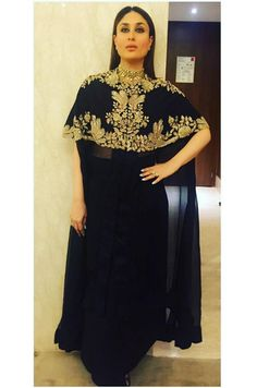 Ideas for cape dress indian anamika khanna Stylish Dresses, Cheap Dresses, Casual Dresses, Popular Wedding Dresses, Evening Dresses For Weddings, Red Lehenga, Lehenga Choli, Sabyasachi, Simple Homecoming Dresses