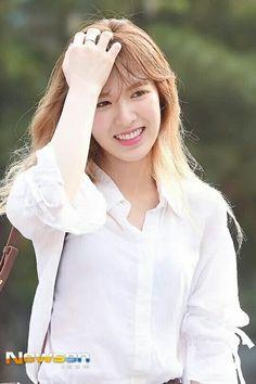 #RedVelvet #Wendy •  otw to Music Bank Half Year Special
