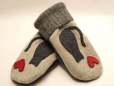 Cat Mittens from Felted Wool Dark and Light Grey Cat Applique Leather Palm Fleece Lining Eco Friendly  Up Cycled Size M-M/L