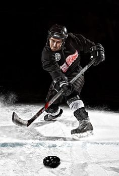 BTSV of Hockey Portrait Photography - PinCanada Hockey Outfits, Sport Outfits, Pinup Art, Sport Photography, Portrait Photography, Hockey Senior Pictures, Sports Pictures, Hockey Shot, Sports Wallpapers