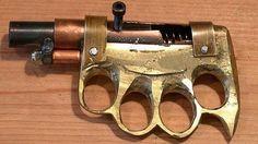 #интересное  Самодельное оружие преступного мира (11 фото)   Некоторые представители криминального мира в нашей стране являются не только преступниками, но еще и настоящими изобретателями. Доказательством тому является самодельное оружие, в том числе и огнестр