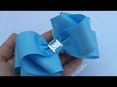 Laço Formoso 🎀🎀🎀 - YouTube Ribbon Flower Tutorial, Hair Bow Tutorial, Baby Girl Accessories, Handmade Hair Accessories, Diy Bow, Diy Hair Bows, Lace Painting, Cute Bows, Girls Bows