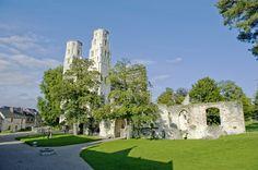 Schönste Ruine der Normandie: die Abbaye de Jumièges