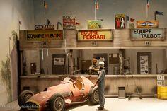 Afficher l'image d'origine Ferrari, Diy Garage, Slot Cars, Tamiya, Garages, Scale Models, Diorama Ideas, Formula 1, Dioramas