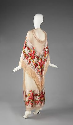 1923 vintage dress with amazing shawl..
