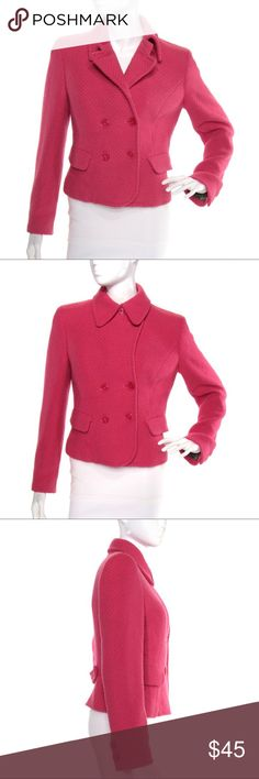 Pink Woven Wool Double Breasted Collared Jacket Sisley Italy bright pink basket woven wool blend coat! Double breasted button front closures, buttons are round plastic and designed to have an opalescent finish that mimics the look of mother of pearl! Collared fit, long sleeve. Functional flap pockets at the hips, decorative draped belt at the back of the waist. Non-functional buttons at the sleeve cuffs. Flatteringly darted fit throughout, fits beautifully! Fully lined.   80% Wool 20% Nylon…