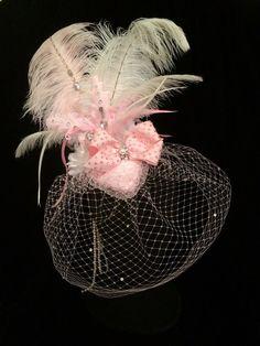 Light Pink and White Crystal Fascinator Hat. Burlesque Cabaret Dance Vintage Hat #EmpireMiniTopHats #clipon