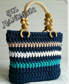 487 Likes, 1 Kommentar - şehnaz handmade ( . Diy Drawstring Purse, Diy Tote Bag, Diy Purse, Crotchet Bags, Knitted Bags, Crochet Handbags, Crochet Purses, Handmade Handbags, Handmade Bags