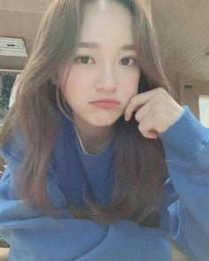Kpop Girl Groups, Kpop Girls, Kim Sejeong, K Pop Star, Cute Korean Girl, Forever Living Products, Girl Inspiration, Korean Celebrities, Korean Singer
