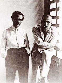 Валерий Горожанин и Владимир Маяковский. Ялта, август 1927 года.