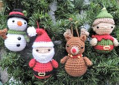 Free Crochet Fox Ornament - part of a set of Woodland Animal Ornament Patterns. Love the Christmas Crochet Patterns too - from Santa & Snowman or Rudolph Crochet Crochet Santa, Crochet Snowman, Crochet Fox, Crochet Hooks, Easy Crochet, Free Crochet, Etsy Christmas, Noel Christmas, Christmas Crafts