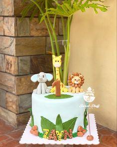 Elephant-Giraffe-Lion Safari Inspired #sweetstuffbynicacakes #cake Giraffe, Elephant, Cakes For Boys, Fondant, Safari, Birthday Cake, Inspiration, Biblical Inspiration, Felt Giraffe