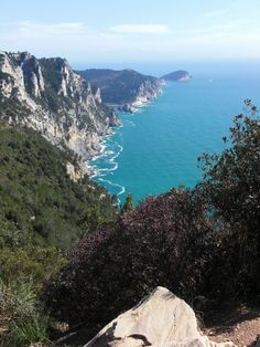Hiking along the Mediterranean Sea / the Cinque Terre, Italy #hiking #cinqueterre #italy