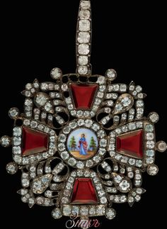 Badge of the Order of St. Anna, I-II degree with diamonds. First quarter of the 19th century. Gold, silver, enamel and rhinestones. Extremely rare. Orders of this type were awarded during the Russian Patriotic War of 1812.