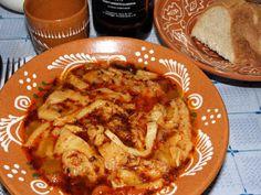 Karcsi főzdéje: Kemencés pacalpörkölt cserépedényben French Toast, Cooking Recipes, Foods, Chicken, Drinks, Breakfast, Red Peppers, Food Food, Drinking