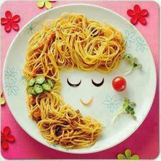 Pasta girl :D Food Art For Kids, Cooking With Kids, Cute Food, Good Food, Yummy Food, Toddler Meals, Kids Meals, Creative Food Art, Food Carving