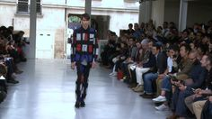 Issey Miyake #FashionWeek de #Paris : Homme Printemps-Eté 2014 - #Fashion #Mode #Défilé #Catwalk #Outfits - More news here: www.parismodes.tv