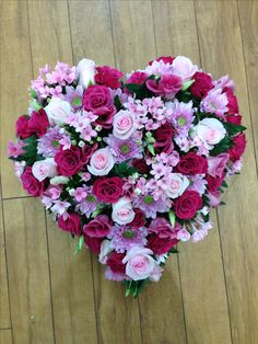 Pink Heart tribute. Arrangements Funéraires, Funeral Flower Arrangements, Funeral Flowers, Wedding Flowers, Funeral Tributes, Cemetery Flowers, Sympathy Flowers, Deco Floral, Faux Flowers