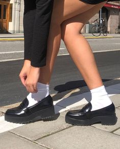 old school January 28 2020 at fashion-inspo Sock Shoes, Cute Shoes, Me Too Shoes, 90s Shoes, Aesthetic Shoes, Aesthetic Clothes, Aesthetic Grunge, Aesthetic Fashion, Look Fashion