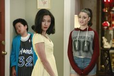 Constance Wu, Luna Blaise, and Hudson Yang in Fresh Off the Boat Randall Park, Comedy Store, Fresh Off The Boat, Constance Wu, Asian American, Moving Pictures, Having A Crush, Movie Tv