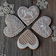 Fancy Cookies, Cake Cookies, Christmas Sugar Cookies, Gingerbread Cookies, Lace Heart, Wedding Cookies, Beautiful Soul, Beautiful Crochet, Cakes And More