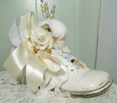 Victorian Crafts, Vintage Crafts, Shabby Chic Baby, Old Shoes, Half Dolls, Pin Cushions, Beautiful Babies, Baby Items, Baby Love