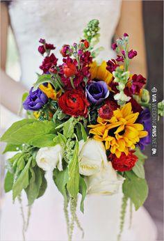 primary color wedding bouquet | VIA #WEDDINGPINS.NET