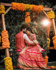 Cute Couple Shot at Mehndi Ceremony in an Indian Wedding by Vintage Films Photography Indian Wedding Photography Poses, Bride Photography, Couple Photoshoot Poses, Bridal Photoshoot, Pre Wedding Shoot Ideas, Wedding Poses, Couple Wedding Dress, Indian Bridal Photos, Desi Wedding