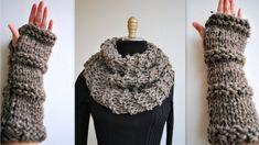 Knitting PATTERN: Outlander Inspired Claire's Cowl/Gloves Set- Beginner Easy -PDF Knit Pattern ONLY! The Outlander Inspired Claire's Cowl original pattern by Kysaa from designer Kinjal Mehta. Outlander Knitting Patterns, Chunky Knitting Patterns, Knit Patterns, Vogue Knitting, Hand Knitting, Claire Outlander, Chunky Infinity Scarves, Neck Scarves, Minecraft Pixel Art