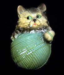 Chalkware kitty/ stringer