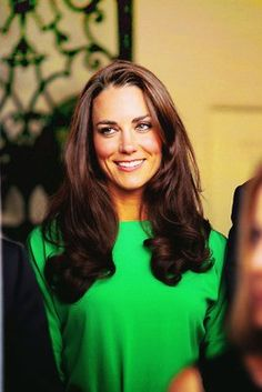 Kate Middleton - yes to this green dress. and great hair!
