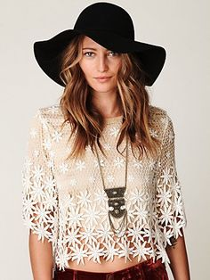 178490da07c I need that hat for summer! Totally must have. Lace Tops