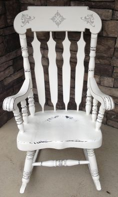 Amazing refinished rocking chair! Done in Ann Sloan's pure white chalk paint :) design done in Paris grey chalk paint also by Ann Sloan.
