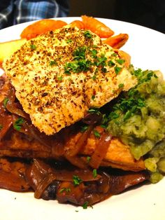 Porcini Mushroom & Ale Pie with Mushy Peas. British vegan pub food at the fabulous Mildreds Restaurant!