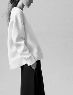 inspiration for winter styling: simple, contrast and classic look | Fashion + Photography |