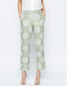 Imagen 4 de Pantalones capri de conjunto de jacquard para ocasiones especiales de ASOS