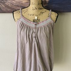 OLD NAVY Blouse Perfect for shorts to the beach or to be paired with jeans and a cardigan! Old Navy Tops