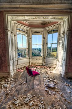 Abandoned bay windows--heartbreak